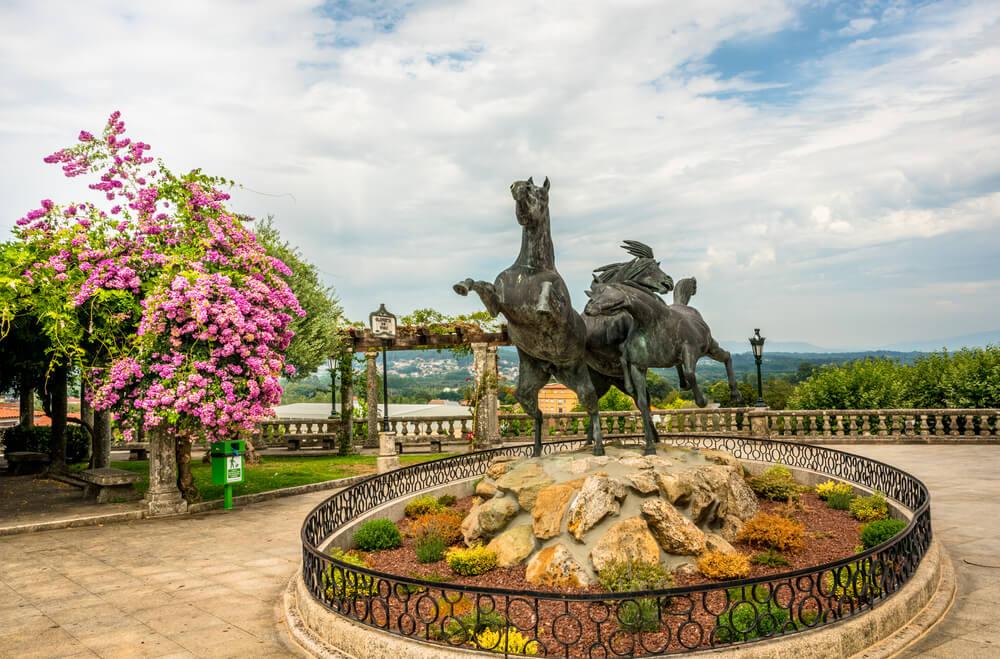 Monumento al caballo salvaje de Tui