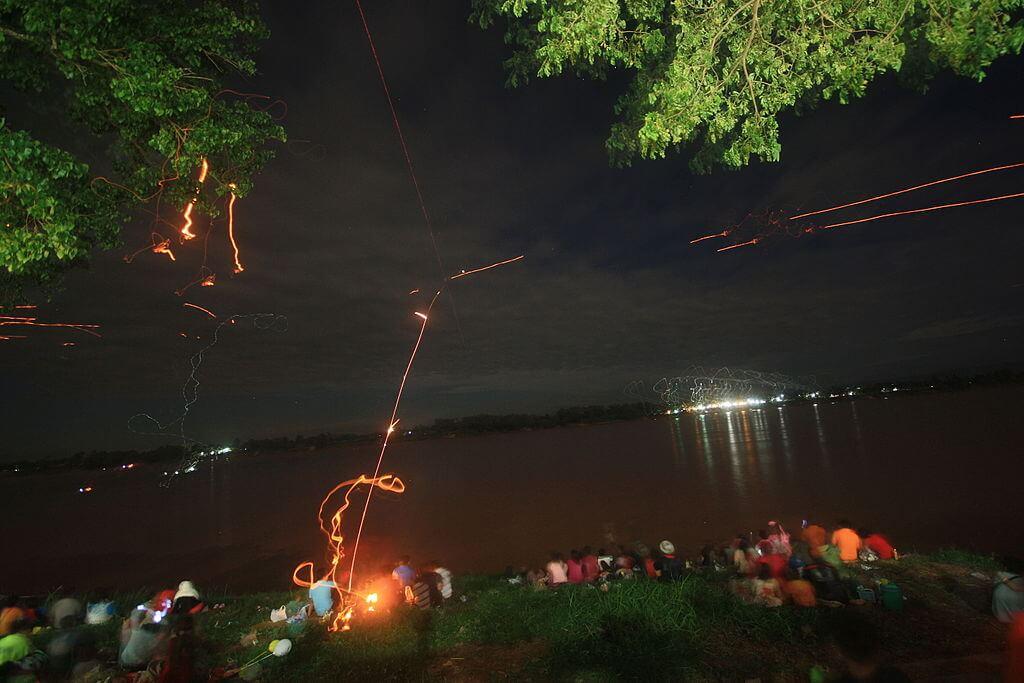 Bolas de fuego de Naga en el río Mekong