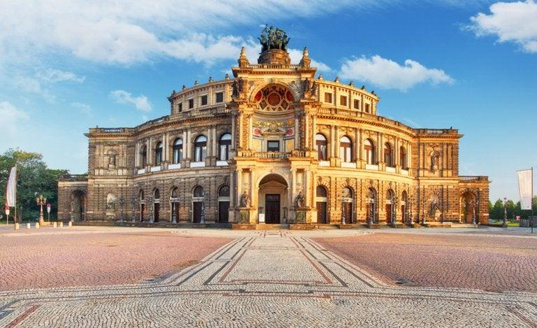 Ópera Semper: uno de los teatros más importantes de Europa