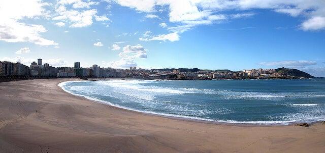 Playa de Riazor en a Coruña