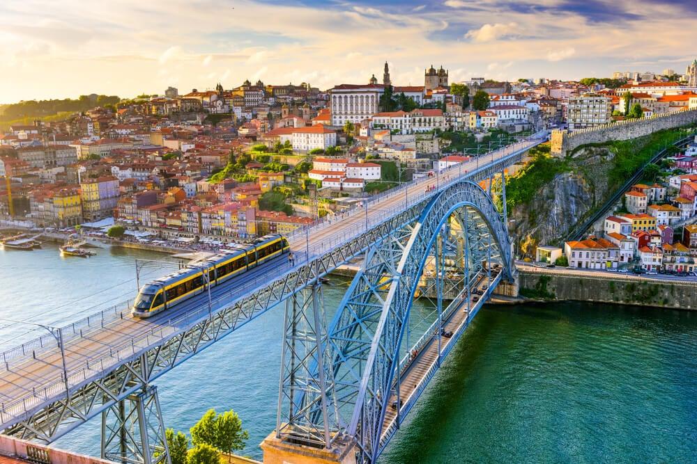 Vista de Oporto, uno de los destinos para personas mayores