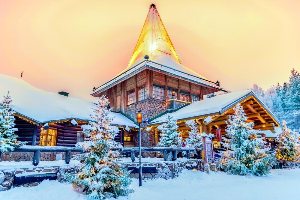 Santa Claus Village en Rovaniemi, uno de los destinos navideños especiales