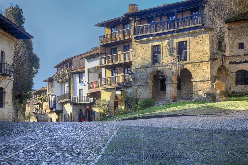 Calle de Santillana del Mar en Cantabria
