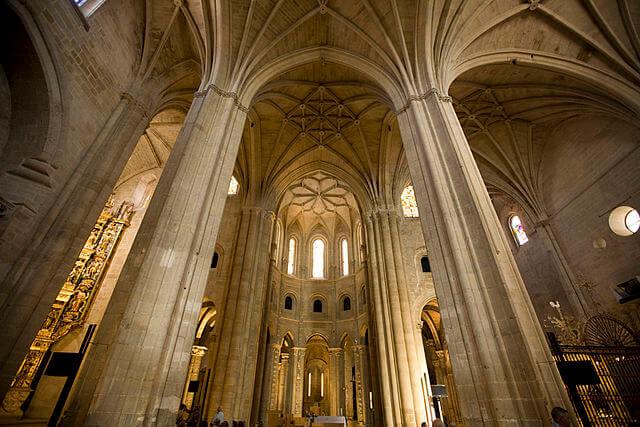 Interior de la catedral de Santo Domingo de la Calzada