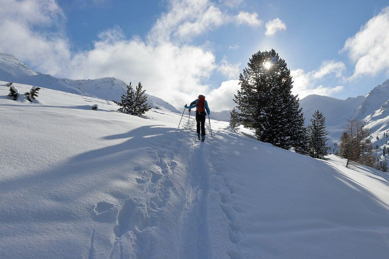 Senderistas en la montaña