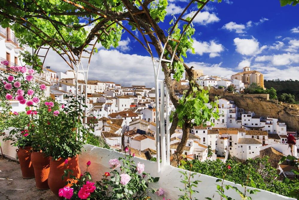 Pueblos mágicos y de arquitectura blanca en España
