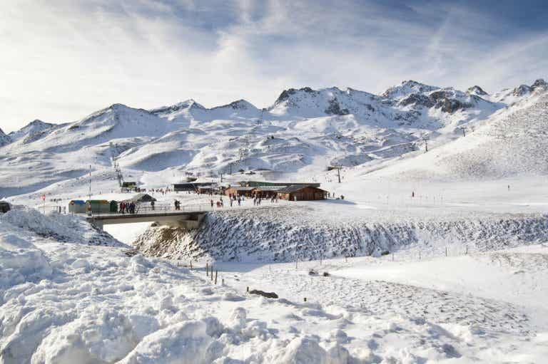 El valle de Tena en los Pirineos y su estación de esquí