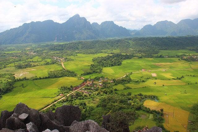Vista de Vang Vien en Laos
