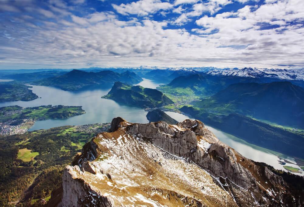 Vista desde el monte Pilatus en Suiza