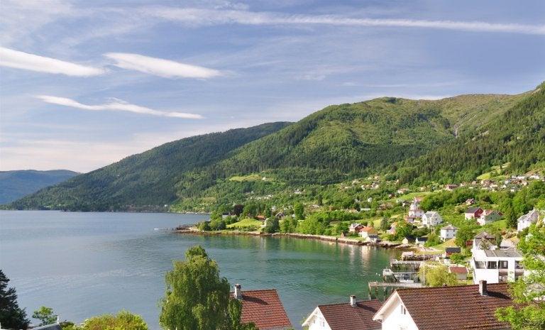 Balestrand, un encantador pueblo en los fiordos noruegos