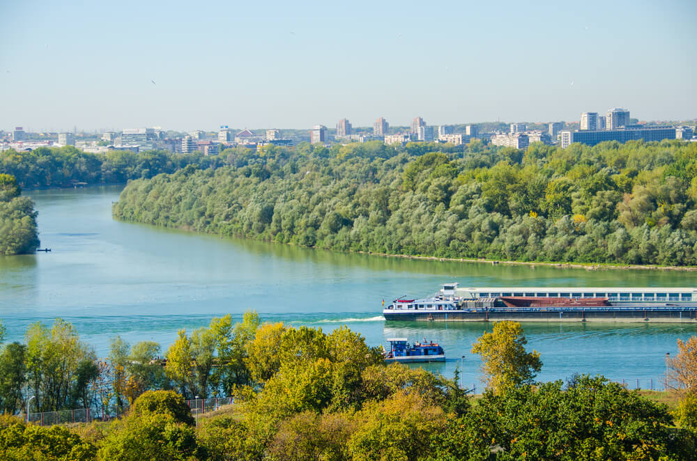 Río Danubio en Belgrado