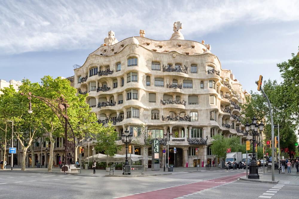 Caja Mila, ejemplo de arquitectura modernista en Barcelona