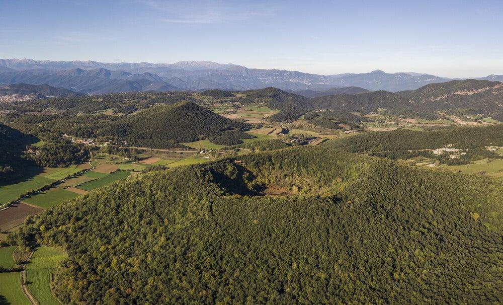 Naturaleza y pueblos medievales en la comarca de la Garrotxa