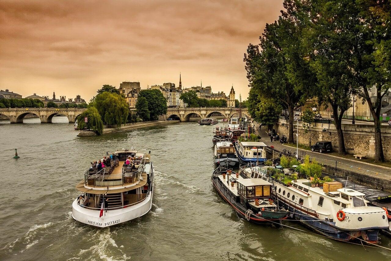 Cruceros por el río Sena en París