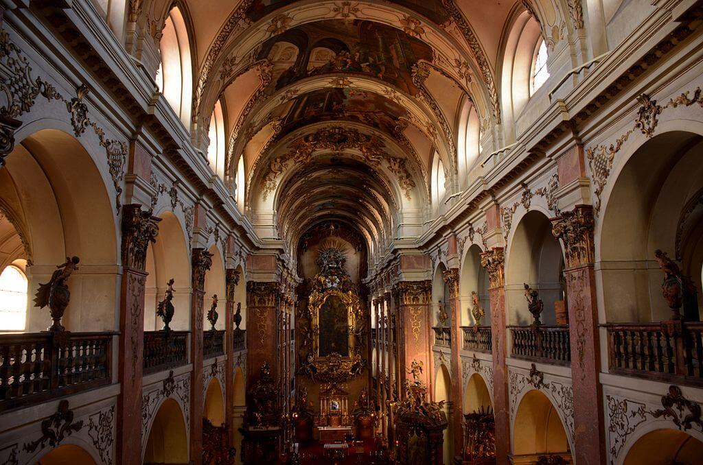 Iglesia de San Jacob en la Ciudad Vieja de Praga