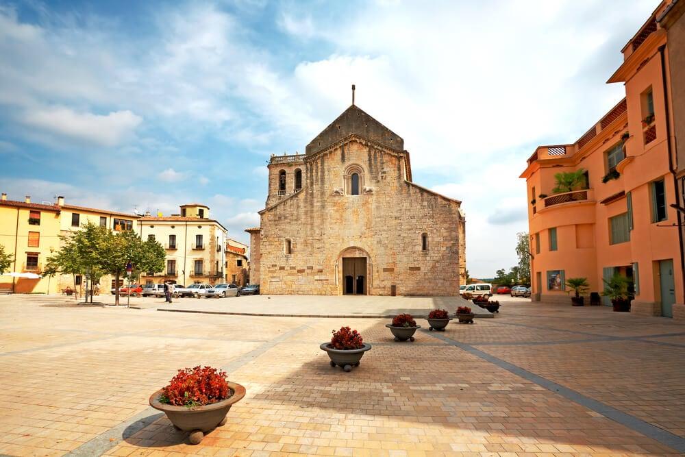 Iglesia de San Pedro en Besalú