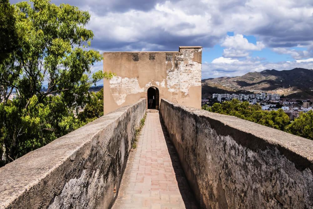 Muralla del castillo de Gibralfaro en Málaga