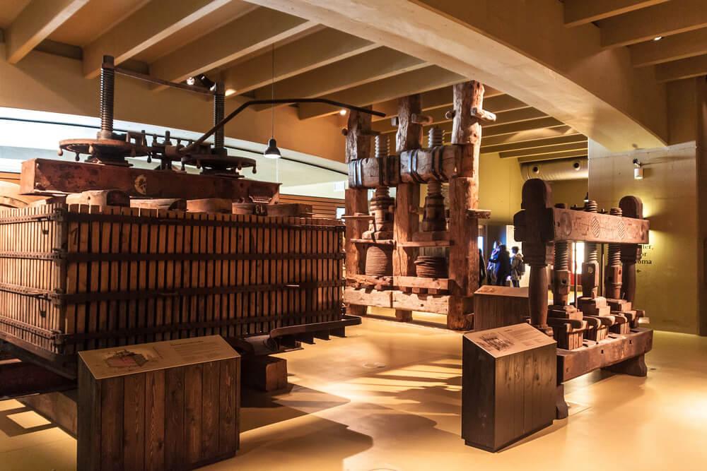 Interior del Museo de la Cultura del Vino