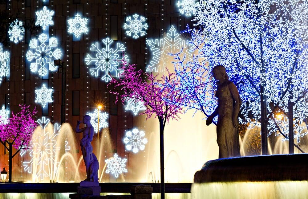 Iluminación en la plaza de Cataluña de Barcelona
