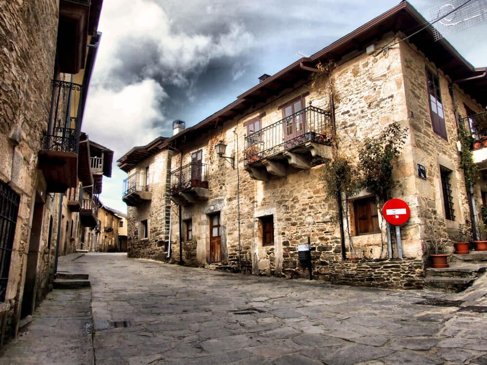 La Navidad ilumina Puebla de Sanabria en Zamora