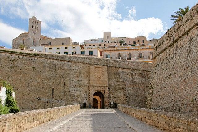 Puerta de ses Taules en Dalt Vila
