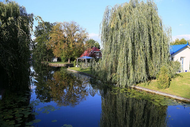 Canal en Rahnsford cerca de Berlín