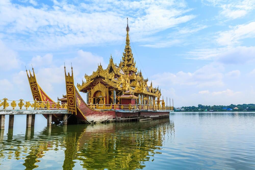 Río Ayeyarwady en Mandalay