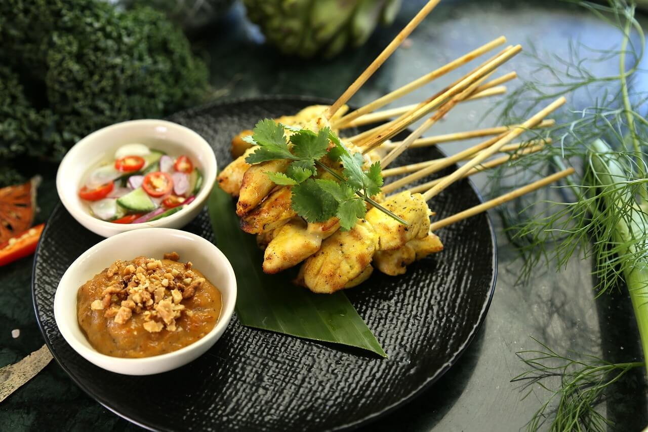 Satay, plato de la gastronomía de Malasia