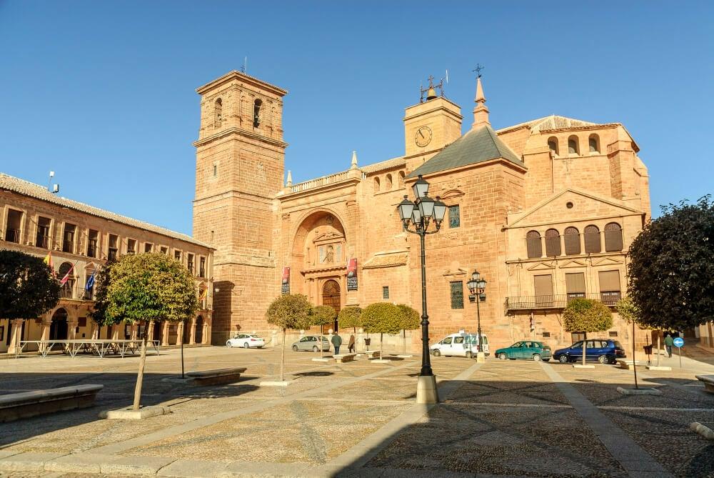 Plaza de Villanueva de los Infantes en la provincia de Ciudad Real
