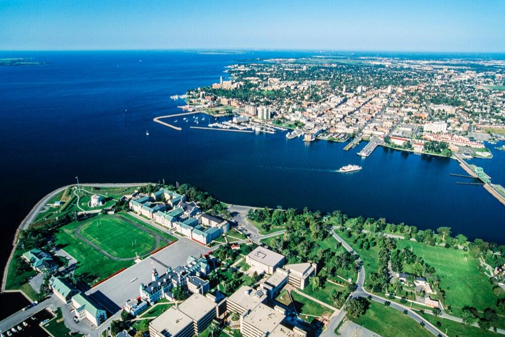 Vista aérea de la ciudad de Kingston
