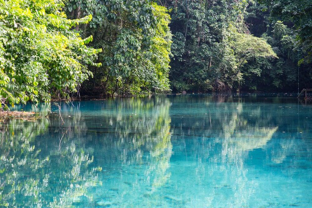 Conoce Blue Lagoon, un pequeño edén en Port Vila
