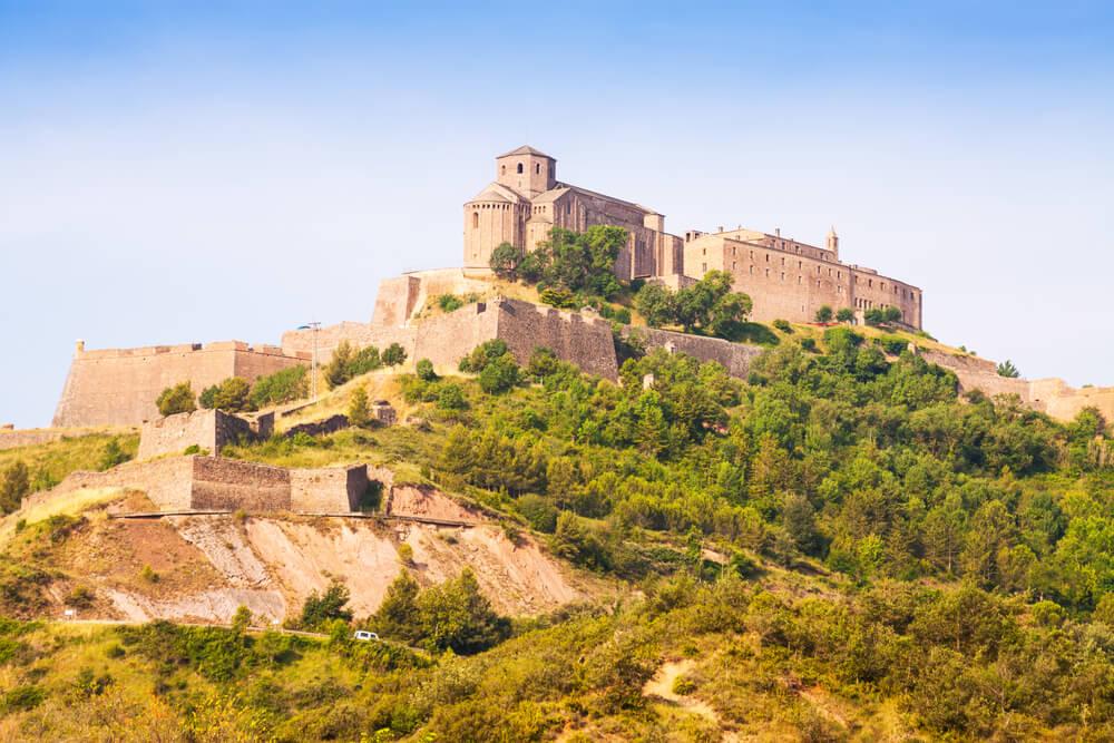 El castillo y Parador de Cardona: historia y leyendas