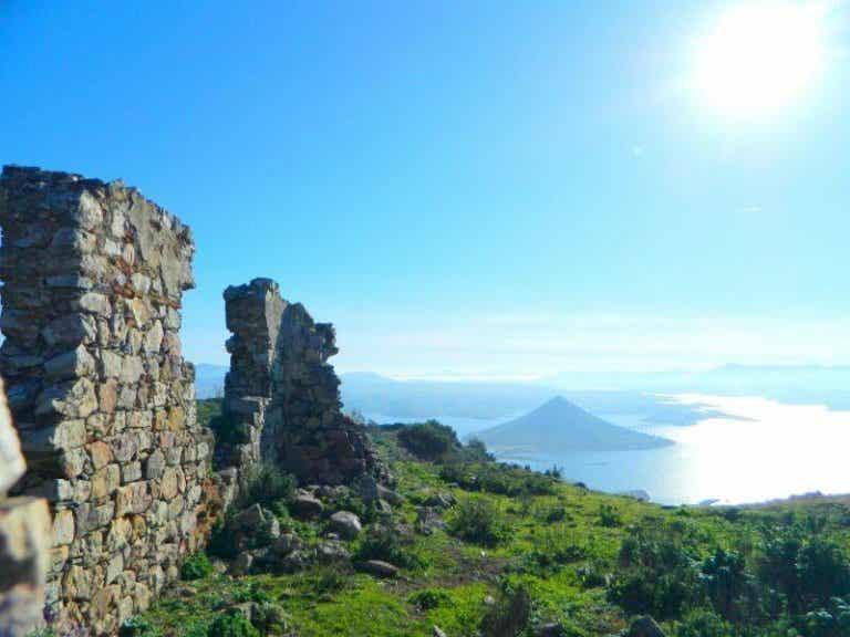 El castillo templario de Lares, la puerta del oeste