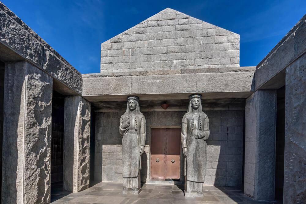 Entrada al mausoleo de Njegos