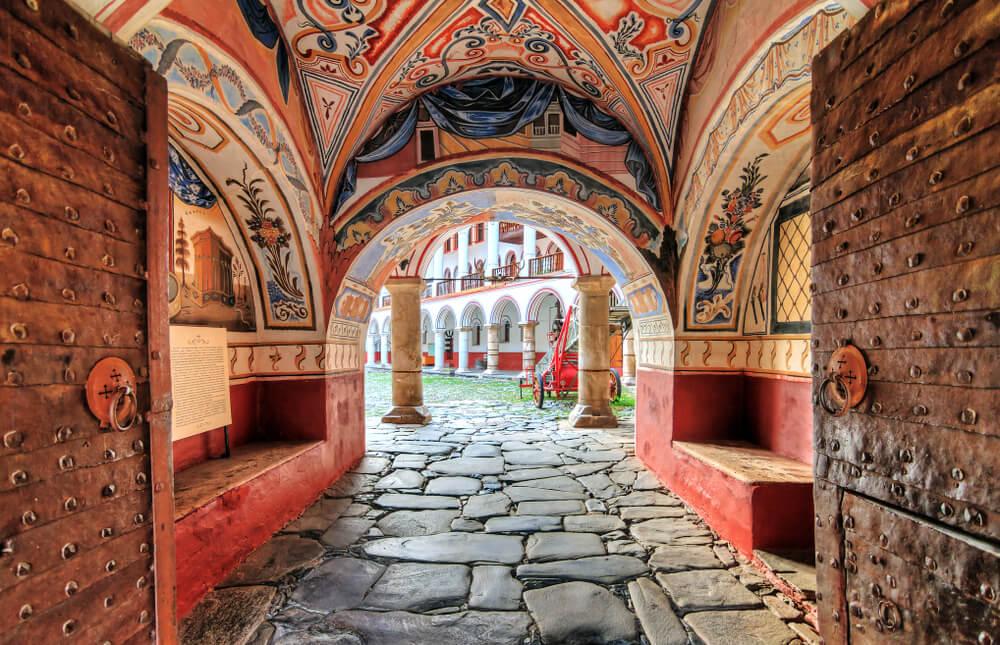 Entrada al Monasterio de Rila