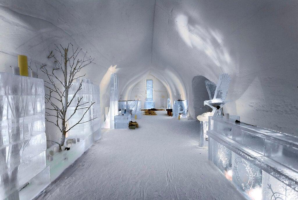 Interior de un hotel de hielo