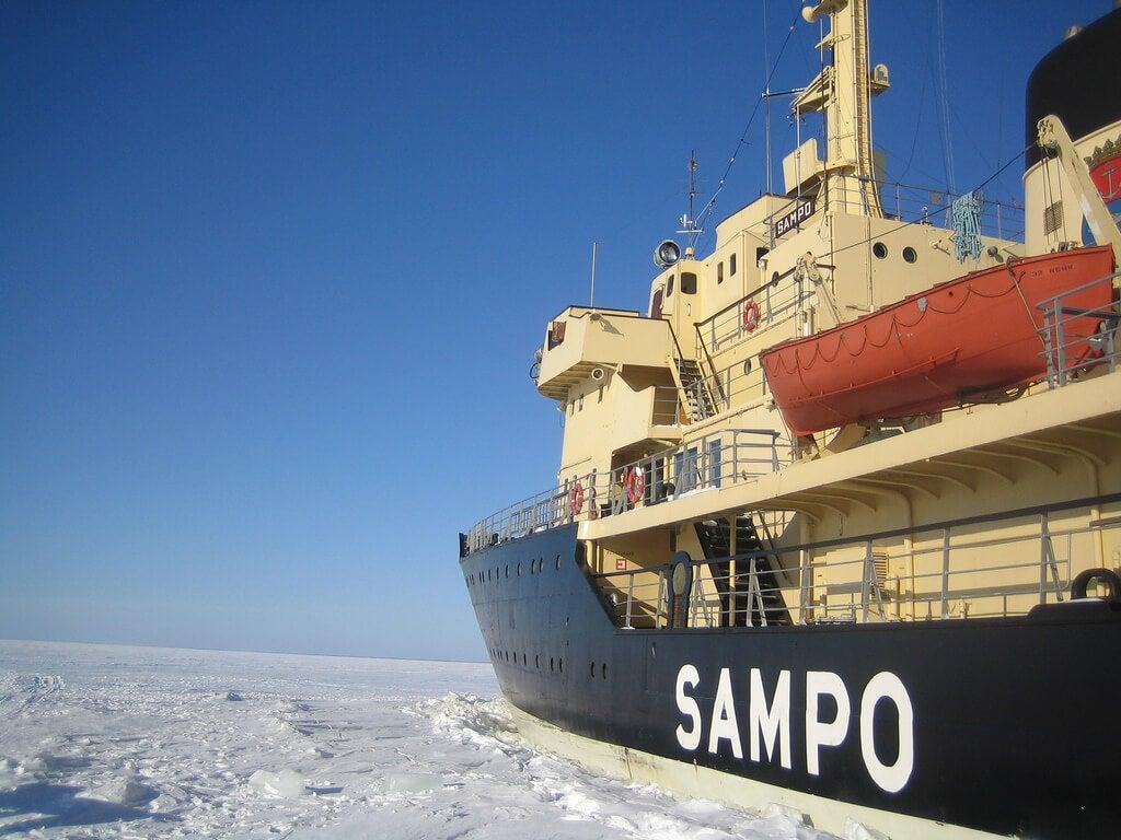 Vista del rompehielos Sampo