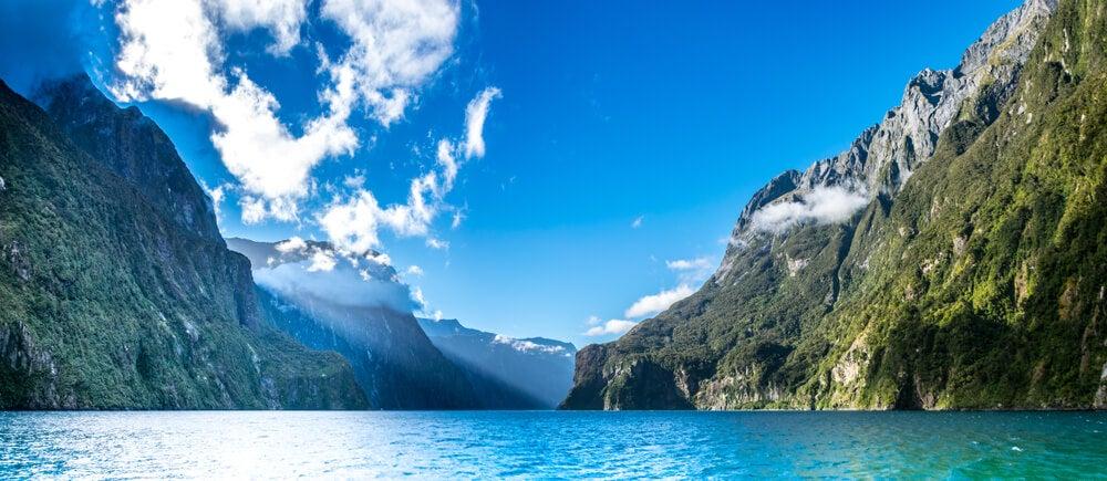 Vista de Milford Sound desde un barco