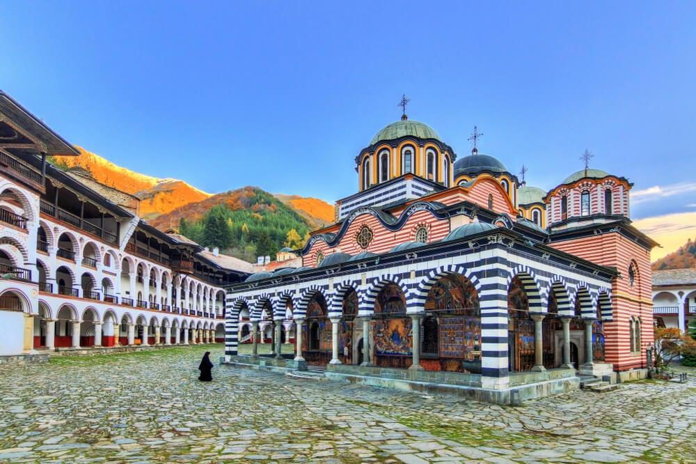 El monasterio ortodoxo de Rila, centro espiritual de Bulgaria