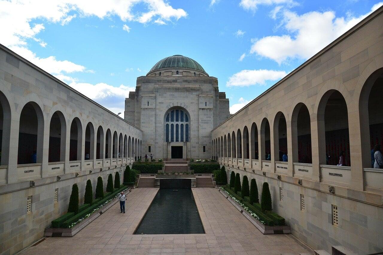 Monumento a la Guerra, uno de loslugares de interés de Canberra