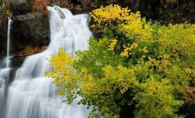 Paisaje de otoño en el Valle del Jerte