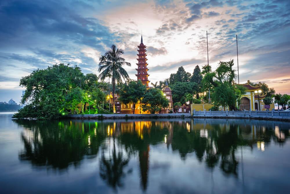 Pagoda Tran Quoc en Hanoi en Vietnam