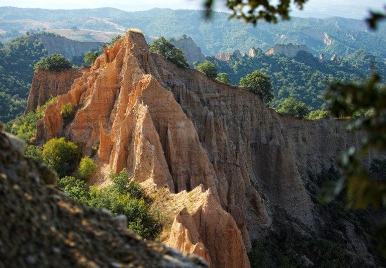 Las pirámides de arena y otros atractivos de Melnik