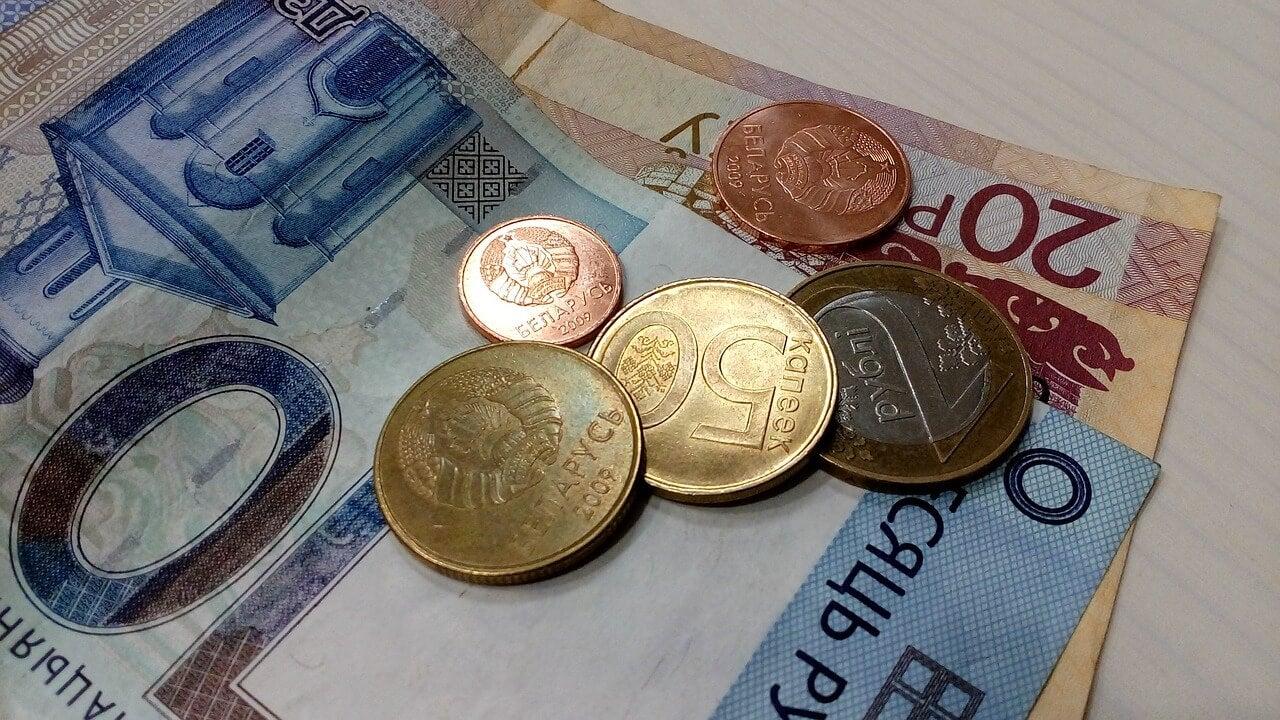 Rublos, moneda que hay que tener para viajar a Bielorrusia