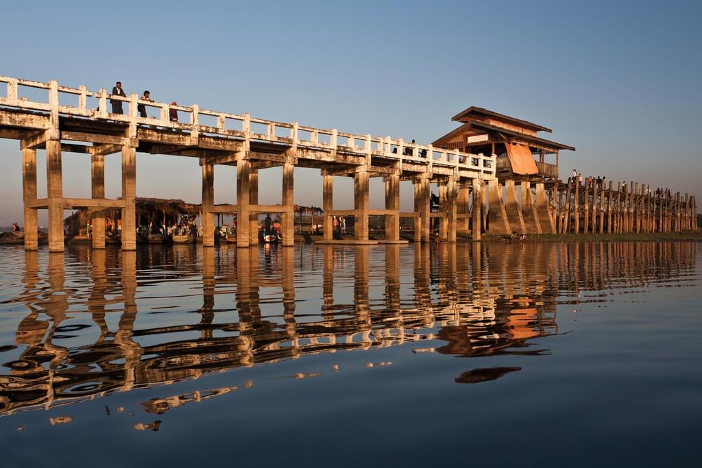 Vista del puente U Bein