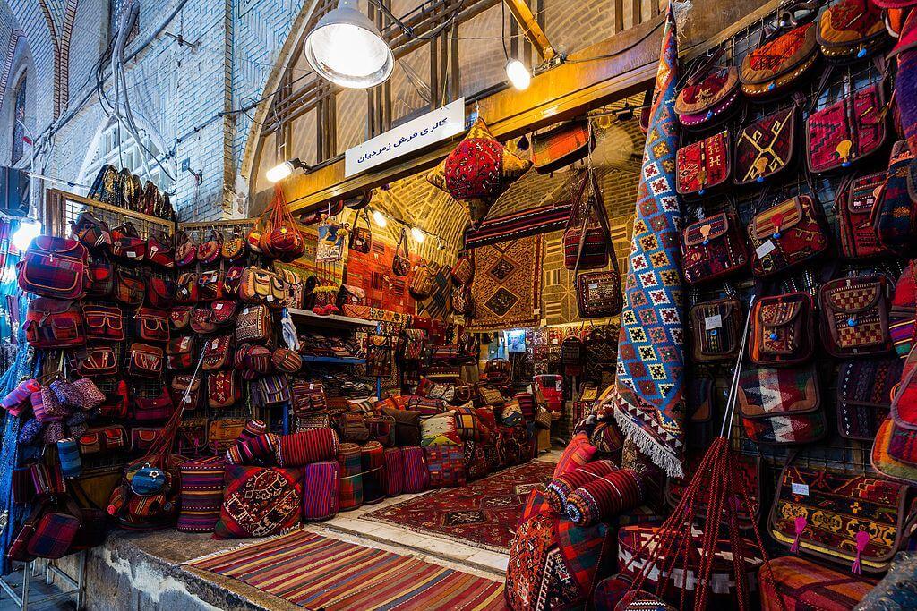 Interior del bazar de Vakil en Shiraz