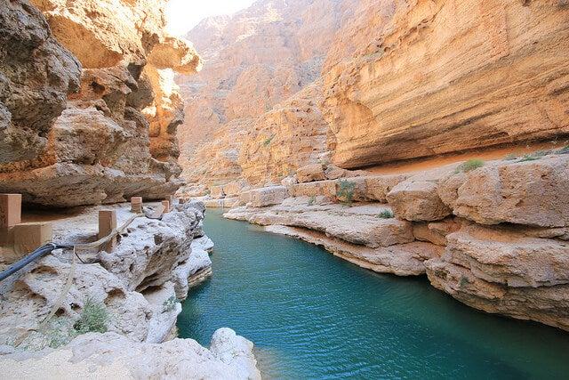 Interior del cañón Wadi Shab en Omán