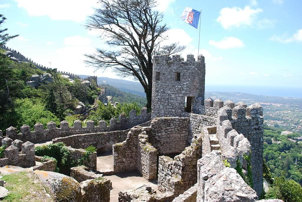 Murallas y torres del castillo de Sintra