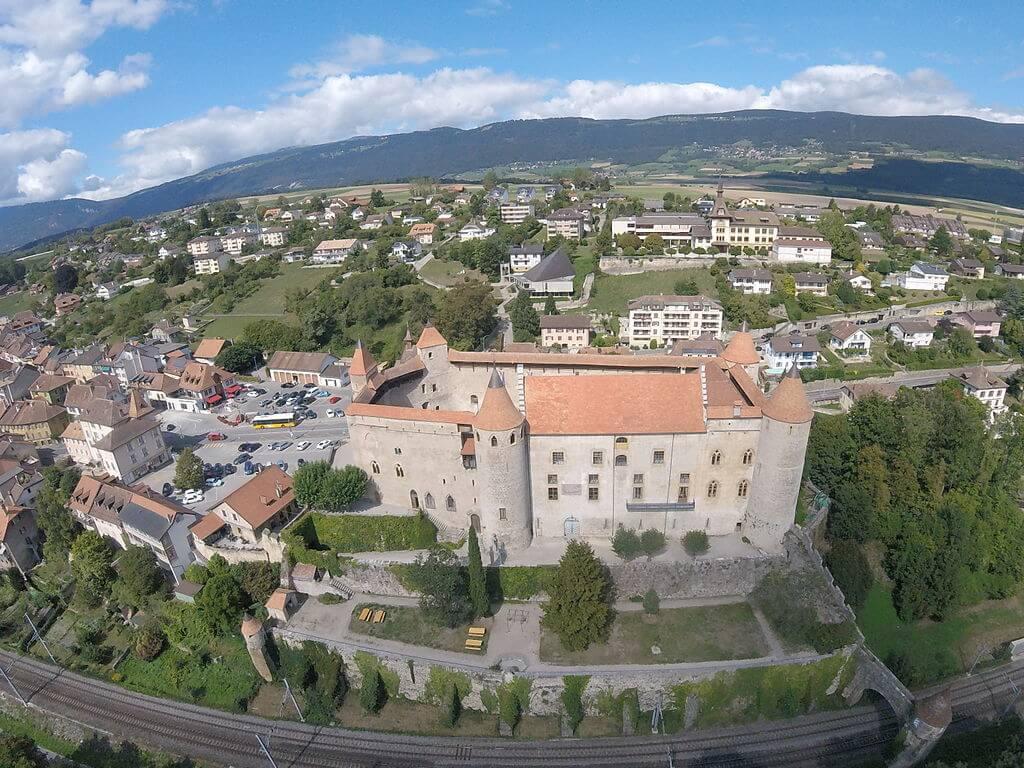 Visitamos el castillo de Grandson en Suiza
