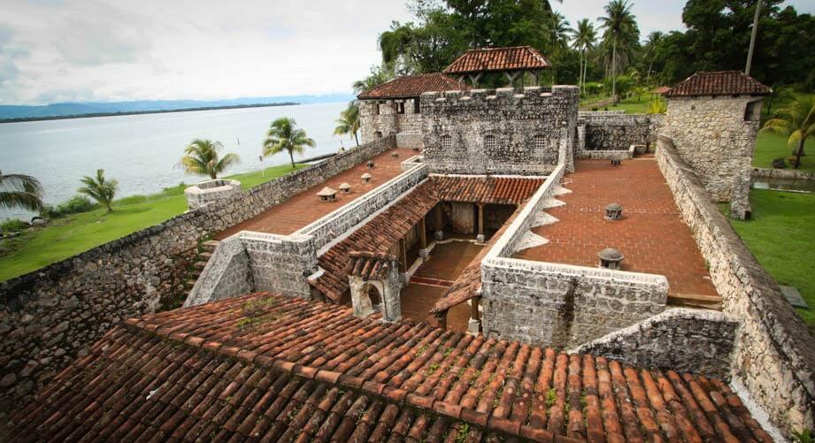 Vista del castillo de San Felipe de Lara